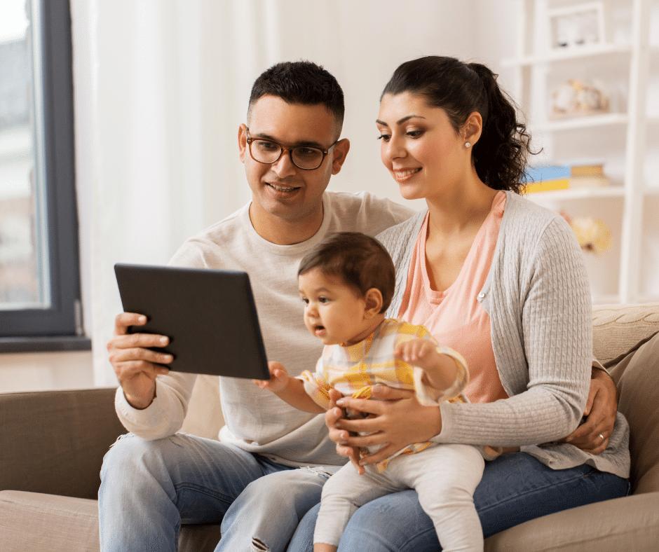 Family using the California DRE website